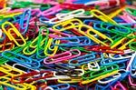 Kunden unterschieden in den Erträgen so gravierend wie diese Büroklammern in ihrer Farbe
